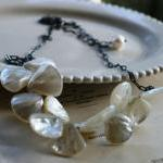 Flutter Necklace - Shell an..
